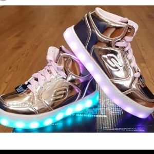 Girls light up sketchers